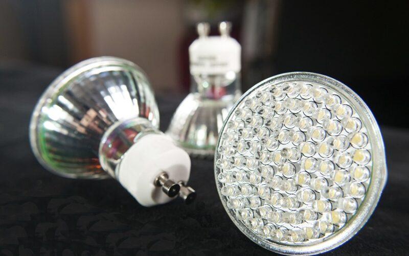 Es werde Licht! Wie man trotz Festbeleuchtung den Stromverbrauch senkt
