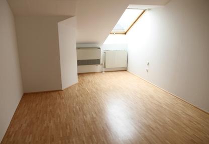 was bei der einrichtung einer dachgeschosswohnung zu. Black Bedroom Furniture Sets. Home Design Ideas