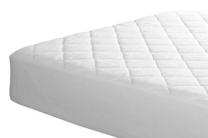 Matratze auf weißem Hintergrund