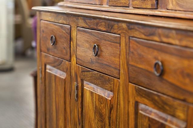 Die richtige Pflege von Holzmöbeln