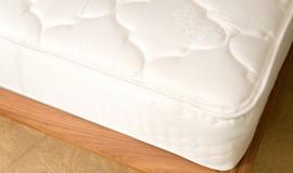 Liegekomfort erhalten: Die richtige Pflege von Matratzen